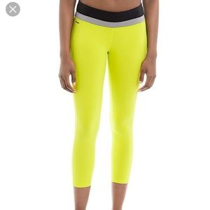 ✨NWT✨ LOLE Motion Crop Yoga Pants